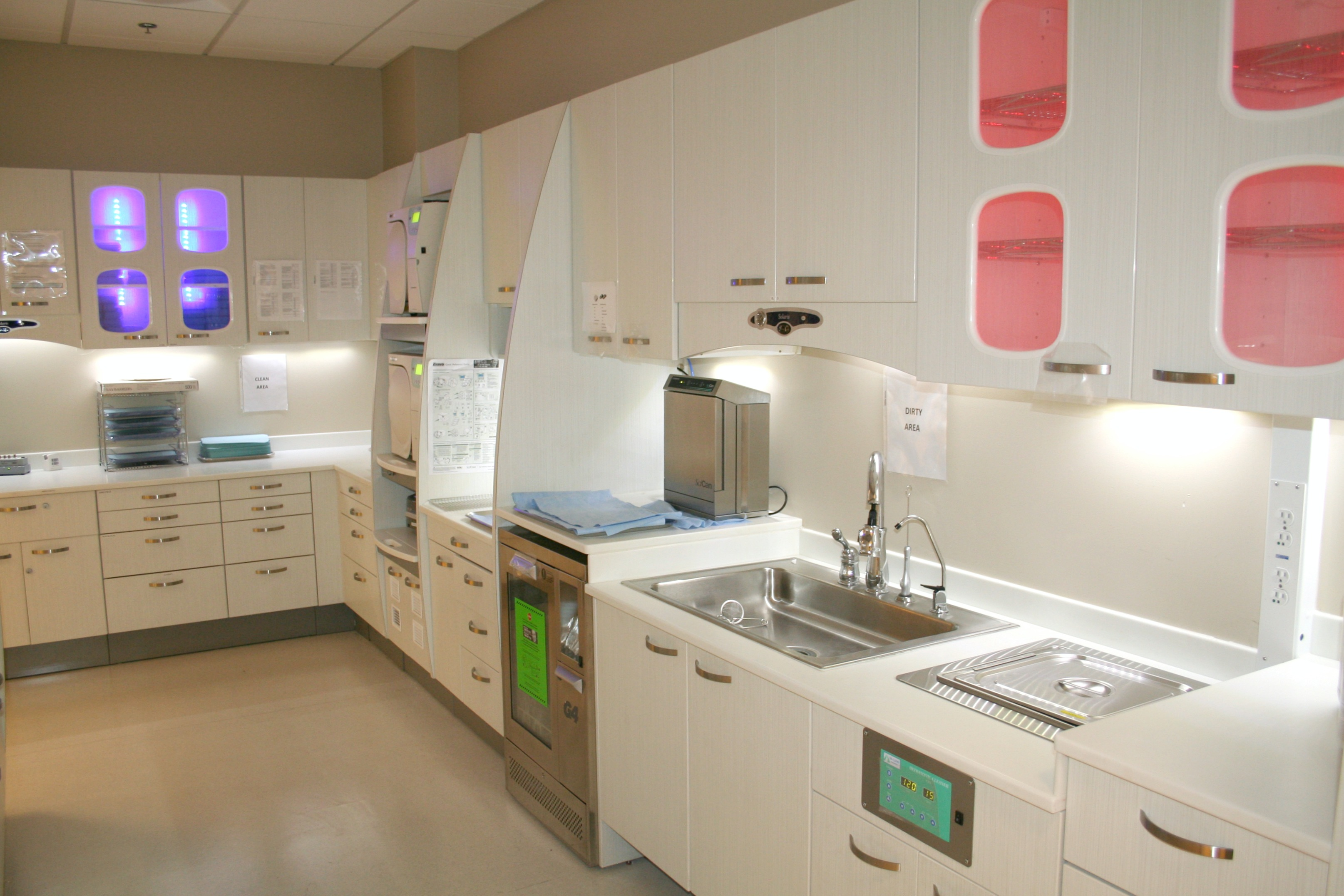 General Contractor Builds Los Angeles Medical Dental lab Facility Construction